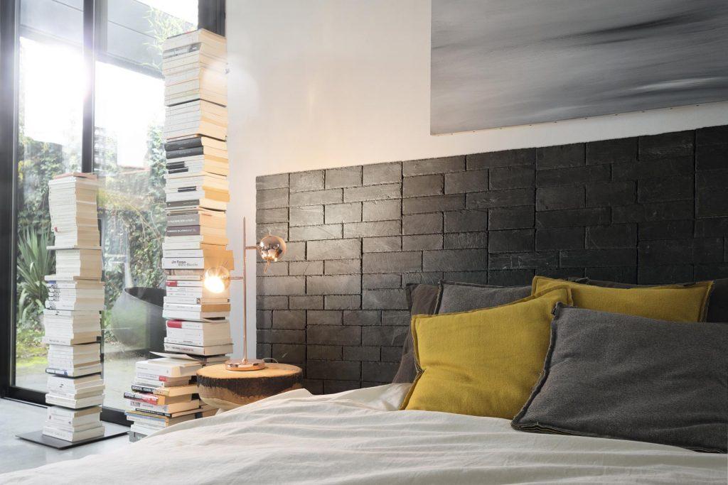 Stonetack® instalado en el cabecero de la cama