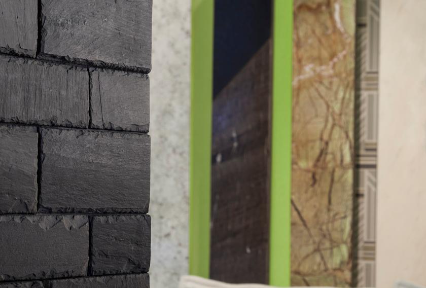 Decorar paredes oscuras con Stonetack